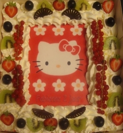 hello kitty taart 20 personen