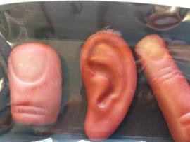 marsepein oor vinger duim