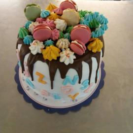 hoge drip taart 30 personen