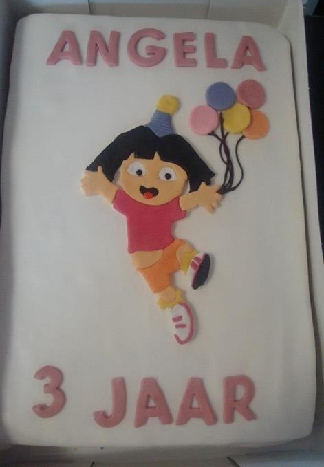 Dora kinder taart 30 personen