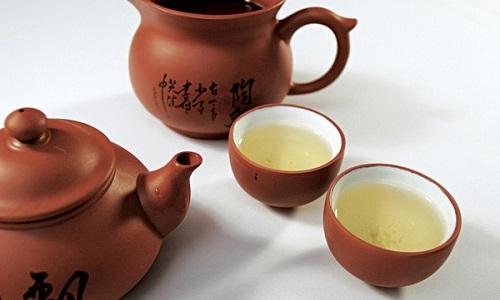 Groene thee zetten