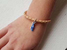 Leren armbandje met zilveren klompje delftsblauw