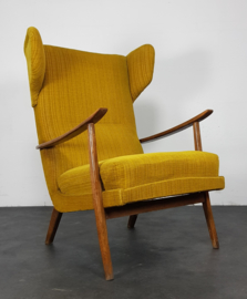 VINTAGE WING CHAIR , BY WALTER KNOLL FOR ANTIMOTT