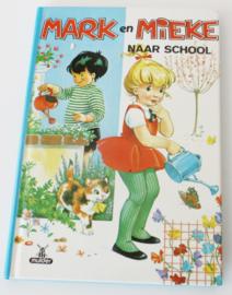 VINTAGE BOEKJE MARK EN MIEKE NAAR SCHOOL
