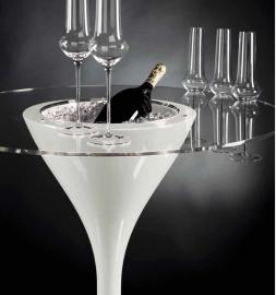 Cocktailtafel met glashouders