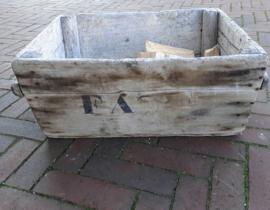Houtbak van oud hout