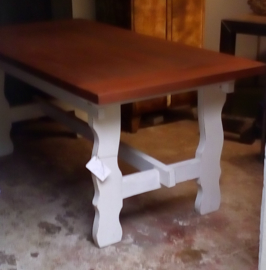 Massief houten tafel met Whitewash onderstel