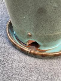 Geglazuurde rood stenen buitenpotje in de kleur blauw/bruin