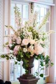 Bloemenarrangement bij bruiloften of ....