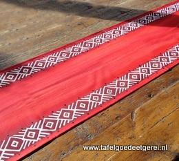 tafelloper red geometric