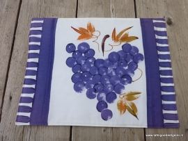 Placemat blue grape