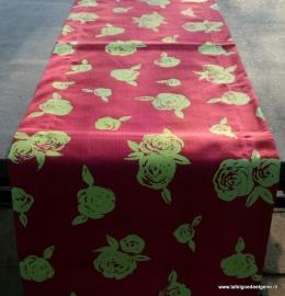 tafelloper lime rose on fuchsia twill