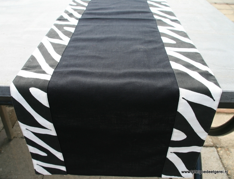 tafelloper black applique Zebra