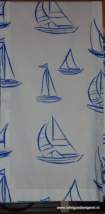 tafelloper blue sailingboat