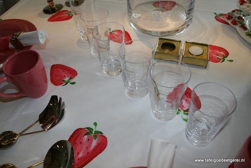 tafelkleed strawberry