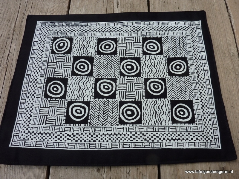 Placemat large cubes & circles white on black