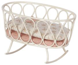 Maileg Cradle with sleeping bag Micro off white | wiegje met slaapzak Micro gebroken wit