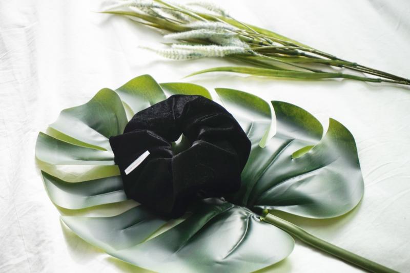 Black 'scrunchie'