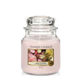 Yankee Candle Medium Jar Fresh Cut Roses