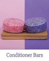 HappySoaps Conditioner Bars zijn 100% (micro)plasticvrij, vegan en uitsluitend vervaardigd van natuurlijke producten die worden geproduceerd in Nederland. De HappySoaps Conditioners Bars zijn goed voor het milieu én je portemonnee. Eén Conditioner Bar staat gelijk aan het gebruik van 3 tot 4 plastic conditionerflessen.