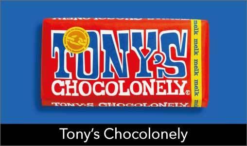De allerlekkerste chocolade vind je in onze Tony's Chocolonely Store. Van grote- tot kleine chocoladerepen vind je in onze winkel. Maar ook voor een heerlijk chocokado kun je bij Tony terecht. Kies voor puur, melk of een heerlijke witte chocolade reep.