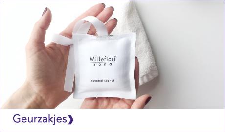 De Millefiori Milano geurzakjes uit de Zona collectie verzorgen wekenlang een heerlijke geur in o.a. kledingkasten. Zo ruikt je kleding altijd heerlijk fris.