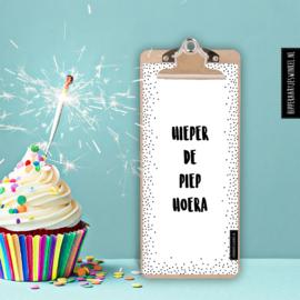 Verjaardagskalender op klembord