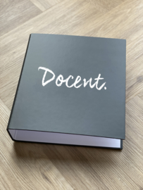 PRE-ORDER: Zwart DOCENT. A4 map 50mm met 4-rings