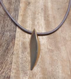 ketting met bronzen hanger