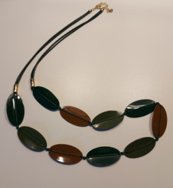Lange ketting groen bruin