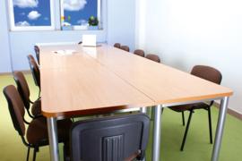 Rechte tafel in een esdoorn kleur