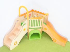 Speelhoek met sensorische elementen - de weide glijbaan rechts