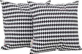 Vierkante kussens, zwarte en witte lijnen, 2 stuks