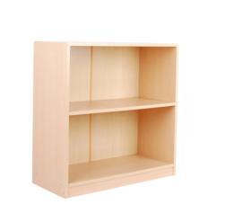 Lage boekenkast met plank