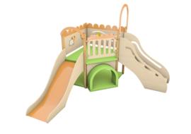 Speelhoek met sensorische elementen - de weide glijbaan links