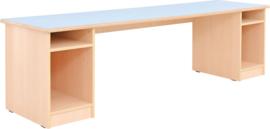 Gemeenschappelijke tafel met opslag