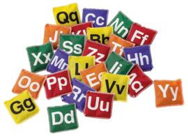 Bonenzakjes met alfabet