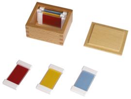 Kleurrijke planken - primaire kleuren
