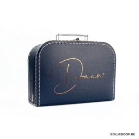 Kleine koffer met naam in blinkende folie