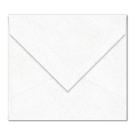 Witte parelmoer (metallic) envelop