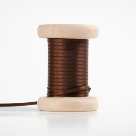 Donkerbruin satijnlint 3mm (per meter)