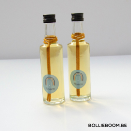 Glazen flesje met lange hals