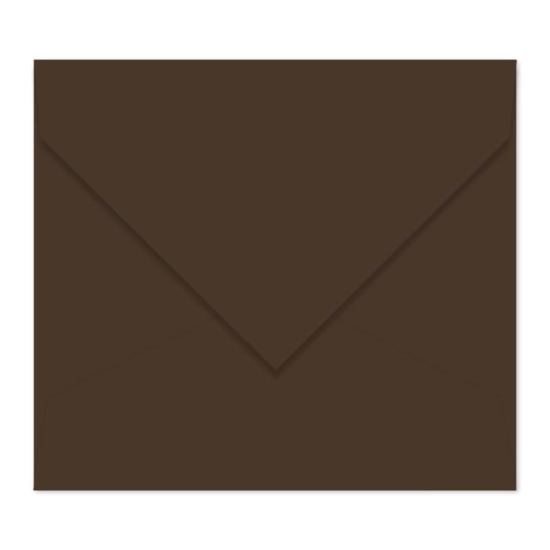 Donkerbruine envelop