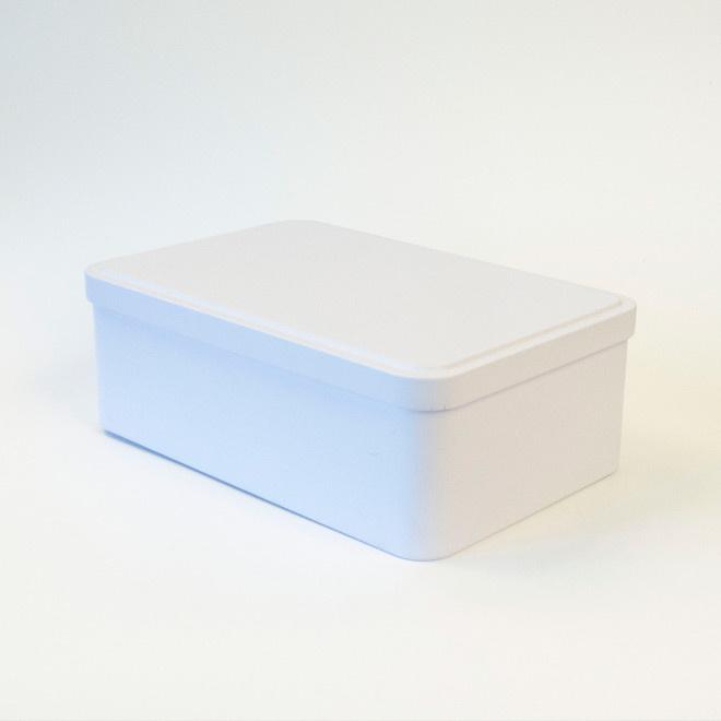 Witte metalen doos