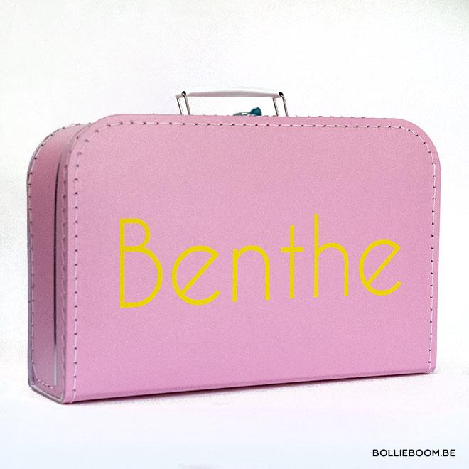 Grote koffer met naam in kleur