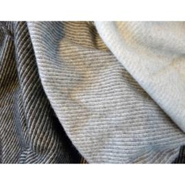klippan - linus eco - 100% lamswol - lichtgrijs