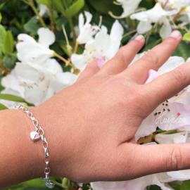 zilveren kinderarmband Lilly hartjes roze zilver