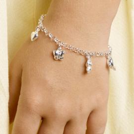 zilveren kinderarmband 5 bedels hartje