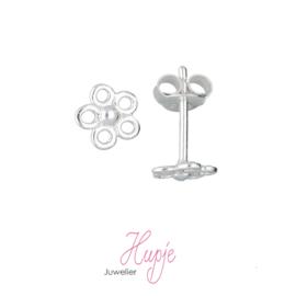 zilveren oorbellen bloem open