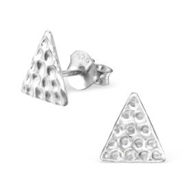 zilveren oorbellen driehoek reliëf